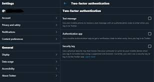 Authentication app atau Security Key.